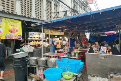 chang phuak market 05