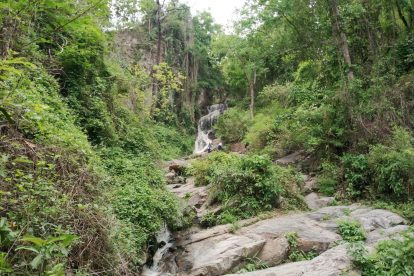 Huay Kaew Waterfall 09