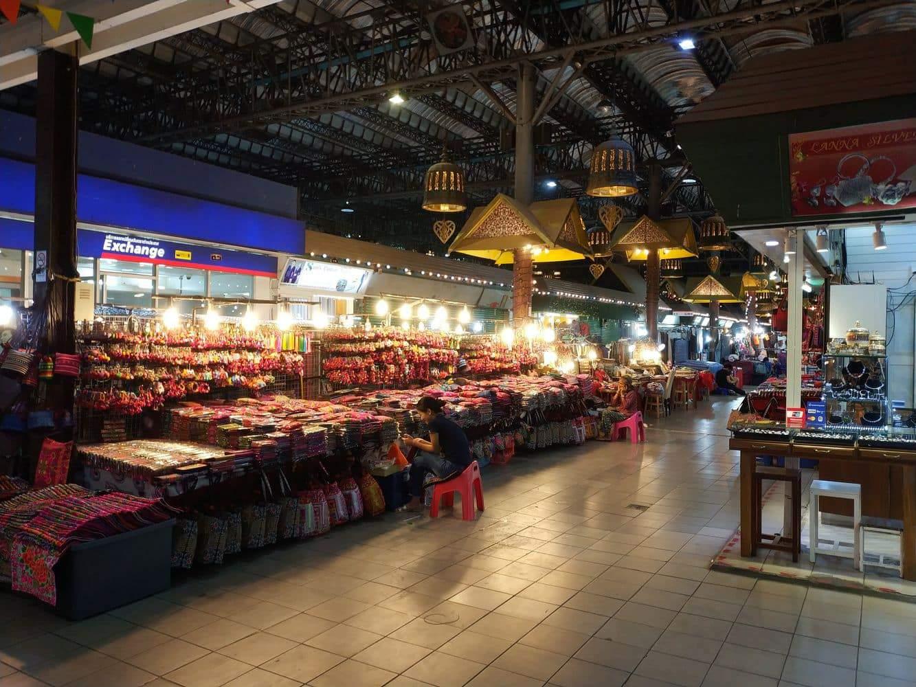 Chiang Mai Night Bazaar 05