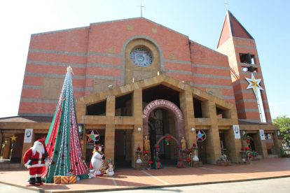 Sacred Heart Cathedral 01