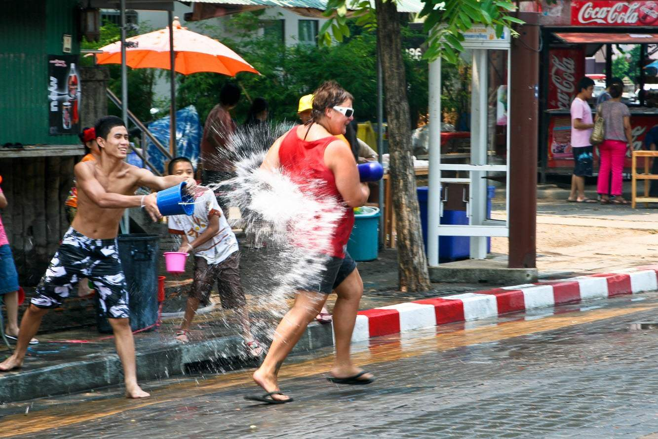 Songkran Chiang Mai 2018 Festival Dates Water Fight