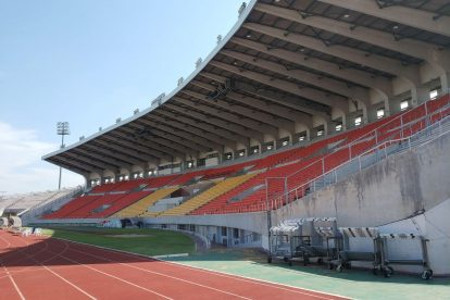 700 year stadium chiang mai-08