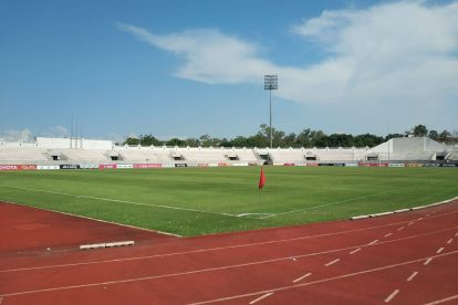 700 year stadium chiang mai-09